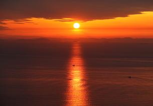 淡路島からの夕日の写真素材 [FYI01257647]