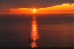 淡路島からの夕日の写真素材 [FYI01257648]
