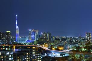 福岡市夜景、福岡タワーの写真素材 [FYI01258075]