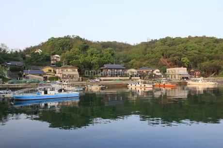 瀬戸内の漁港の写真素材 [FYI01258105]