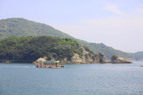 日本の広島県福山市鞆の浦の海と船の風景の写真素材 [FYI01258234]
