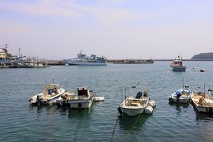 日本の広島県福山市鞆の浦の海と船の風景の写真素材 [FYI01258247]