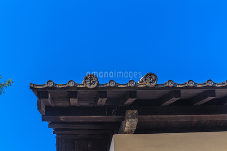 春の盛岡城の土蔵の風景の写真素材 [FYI01258619]