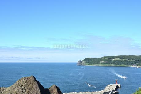 北海道 知床 斜里町ウトロ オロンコ岩より望むの写真素材 [FYI01258646]