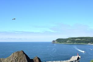 北海道 知床 斜里町ウトロ オロンコ岩より望むの写真素材 [FYI01258647]