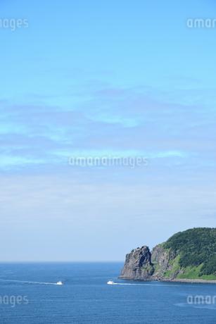 北海道 知床 斜里町ウトロ オロンコ岩より望むの写真素材 [FYI01258655]