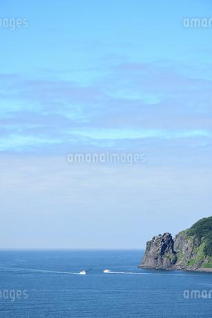 北海道 知床 斜里町ウトロ オロンコ岩より望むの写真素材 [FYI01258656]