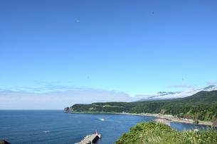 北海道 知床 斜里町ウトロ オロンコ岩より望むの写真素材 [FYI01258657]