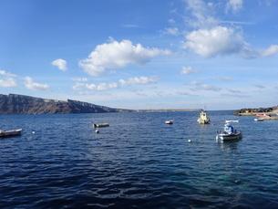 サントリーニ島 イアの港 santorini oia amoudibayの写真素材 [FYI01258747]