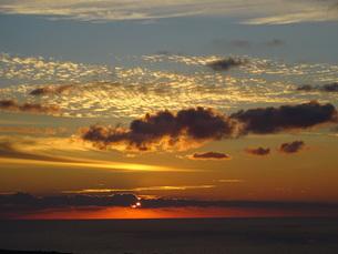 サントリーニ島 イアの夕暮 santorini oiaの写真素材 [FYI01259474]