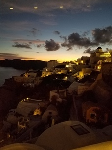 サントリーニ島 イアの夕暮れ santorini oiaの写真素材 [FYI01260036]