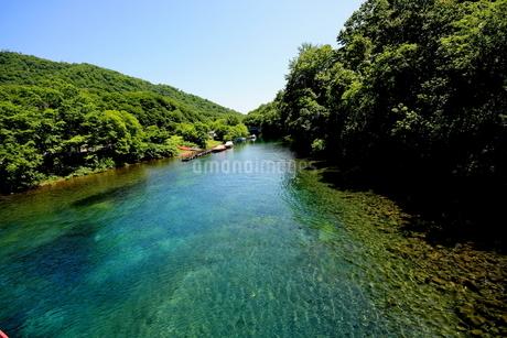 北海道支笏湖の春の風景の写真素材 [FYI01260171]