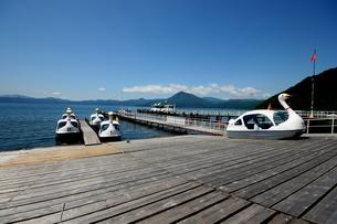 北海道支笏湖の春の風景の写真素材 [FYI01260173]