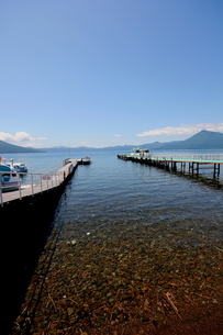 北海道支笏湖の春の風景の写真素材 [FYI01260179]