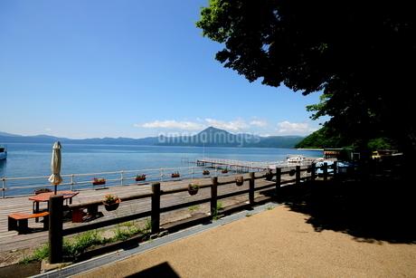 北海道支笏湖の春の風景の写真素材 [FYI01260180]