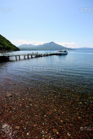 北海道支笏湖の春の風景の写真素材 [FYI01260183]
