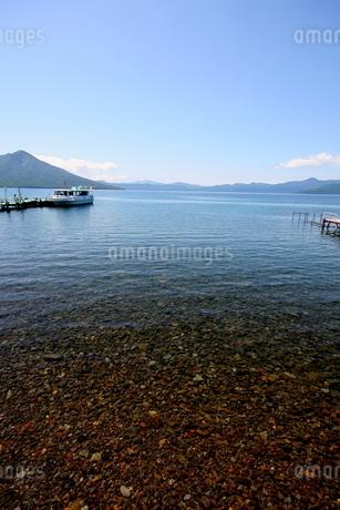北海道支笏湖の春の風景の写真素材 [FYI01260186]