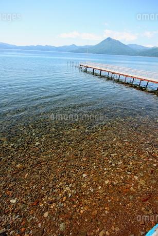 北海道支笏湖の春の風景の写真素材 [FYI01260192]