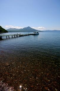 北海道支笏湖の春の風景の写真素材 [FYI01260207]