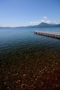 北海道支笏湖の春の風景の写真素材 [FYI01260215]