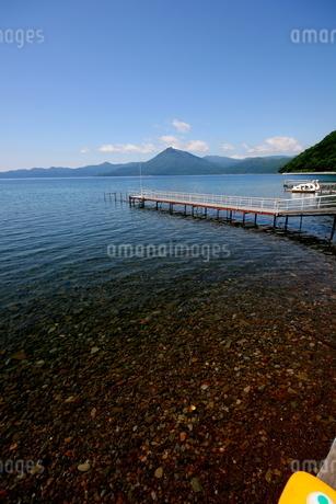 北海道支笏湖の春の風景の写真素材 [FYI01260217]