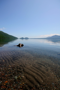北海道支笏湖の春の風景の写真素材 [FYI01260230]