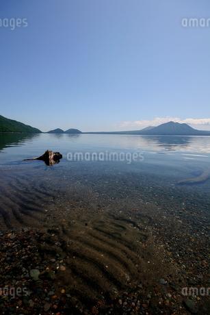 北海道支笏湖の春の風景の写真素材 [FYI01260232]