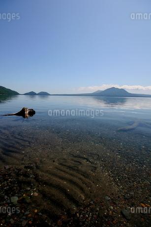 北海道支笏湖の春の風景の写真素材 [FYI01260234]