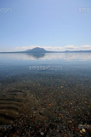 北海道支笏湖の春の風景の写真素材 [FYI01260235]