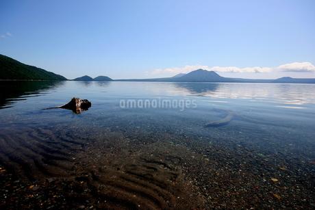 北海道支笏湖の春の風景の写真素材 [FYI01260239]