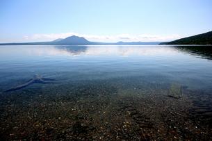 北海道支笏湖の春の風景の写真素材 [FYI01260245]