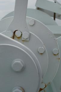 白いクランクの機械とボルトの写真素材 [FYI01260308]