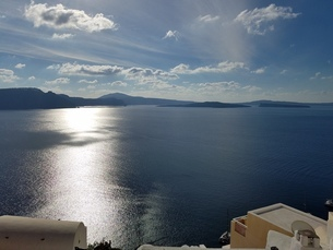 サントリーニ島 イアの海 santorini oiaの写真素材 [FYI01260457]