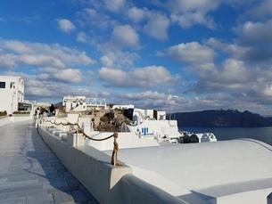 サントリーニ島 イアの街並 santorini oiaの写真素材 [FYI01260458]