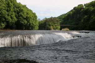 初夏の吹割の滝の写真素材 [FYI01260527]