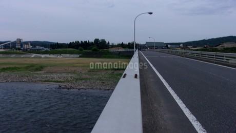 五十嵐川(新潟)の写真素材 [FYI01261235]