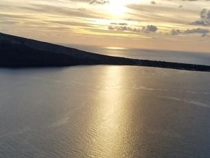 サントリーニ イアの夕暮れ santorini oiaの写真素材 [FYI01261312]