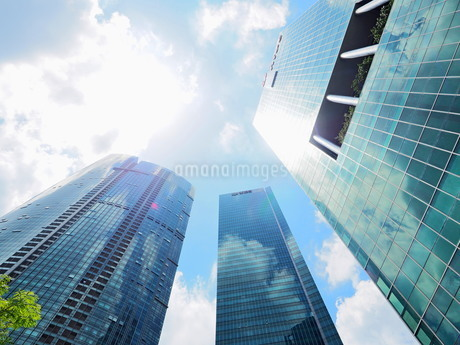 シンガポール 高層ビル群の写真素材 [FYI01261351]