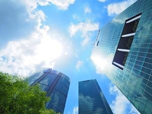 シンガポール 高層ビル群の写真素材 [FYI01261352]