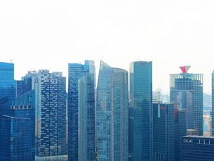 シンガポール 高層ビル群の写真素材 [FYI01261359]