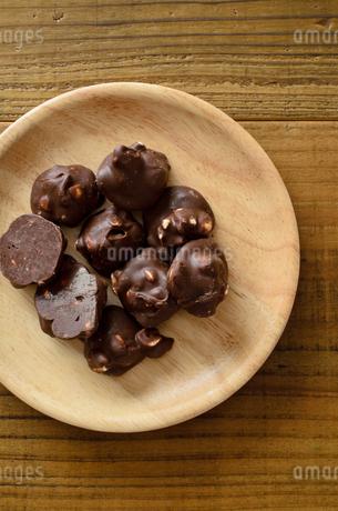 ピーナッツチョコの写真素材 [FYI01261594]