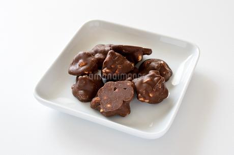 ピーナッツチョコの写真素材 [FYI01261597]