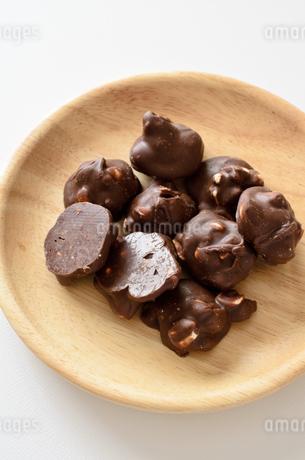 ピーナッツチョコの写真素材 [FYI01261600]