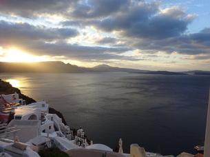サントリーニ島 イアの朝 santorini oiaの写真素材 [FYI01261602]