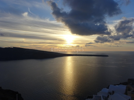 サントリーニ島 イアの夕暮れ santorini oiaの写真素材 [FYI01261606]