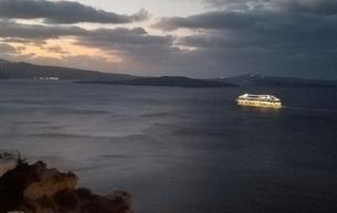 サントリーニ島 イアの夜明け santorini oiaの写真素材 [FYI01261878]