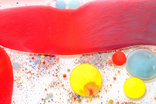 油の中の絵具 の写真素材 [FYI01262039]
