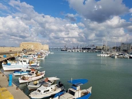 クレタ島 イラクリオンの海 crete heraklionの写真素材 [FYI01262480]