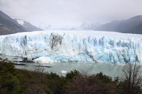 ペリト・モレノ氷河の写真素材 [FYI01262810]
