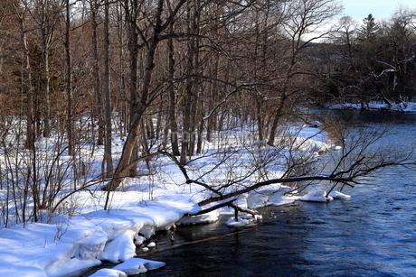 厳寒の北海道凍りつく屈斜路湖の写真素材 [FYI01262849]
